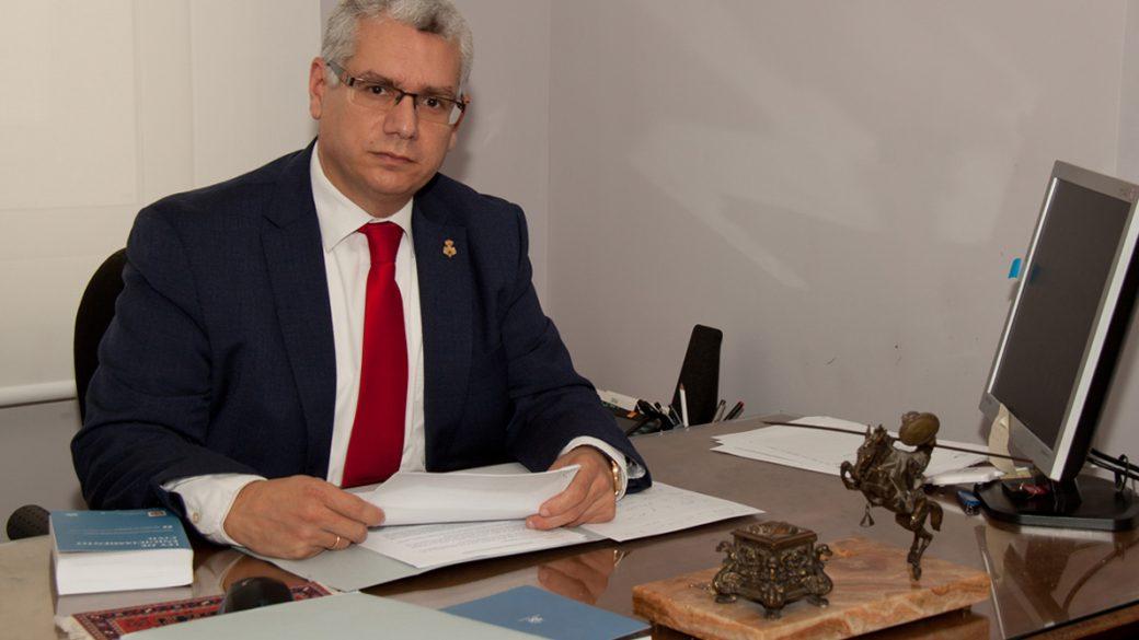 Ramón Varea Casares. Abogado